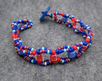 Beaded Bracelet - Red and Blue by randomcreative on Etsy