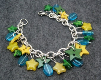 Charm Bracelet - Beaded - Yellow and Green Stars by randomcreative on Etsy
