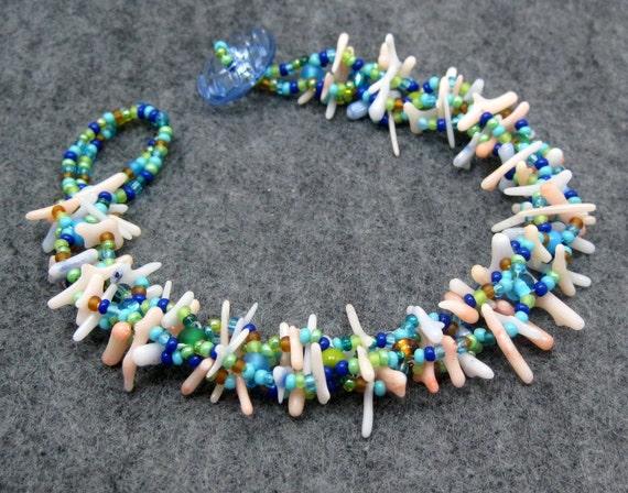 Beaded Bracelet - Petite Coral by randomcreative on Etsy