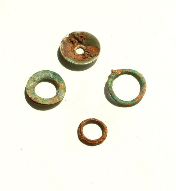 Copper Rings Found on Beach, Metal Rings 1'' Diameter, Sea Ocean Patina Links