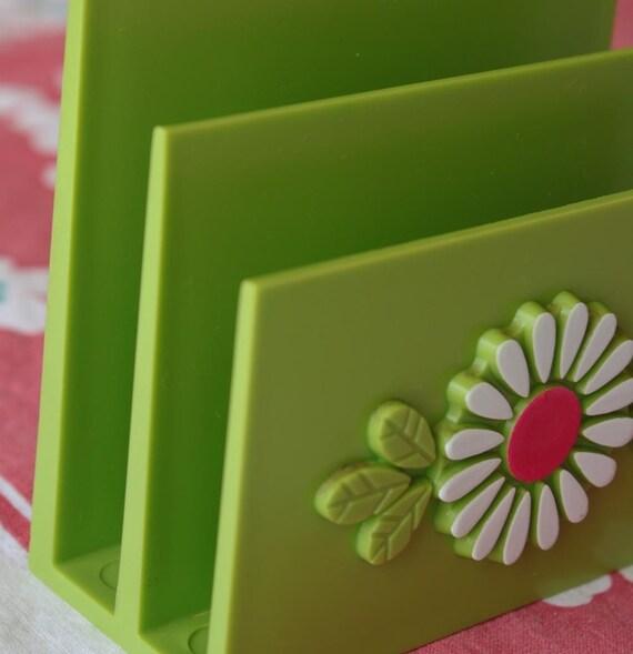 Vintage Plastic Green Mail Holder\/Sorter