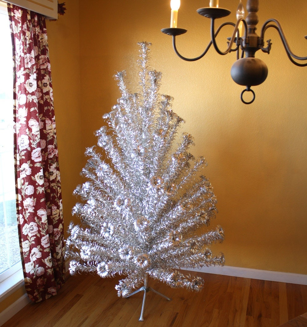 Metal Tabletop Christmas Tree: Evergleam Stainless Aluminum 6 Ft Christmas Tree