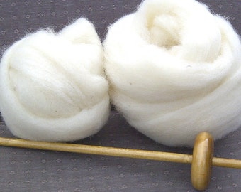 Beginning Spinning/ Drop Spindle/ Undyed Roving/ 4 oz Cheviot Roving/ Spinning Kit/ White/ Wool Roving/How to Spin Yarn/ Hand Turned/