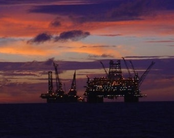 Thunder Horse Before the Storm 5x7 Glossy Photograph Alba Ranch Oil Rig Offshore Oil Industry