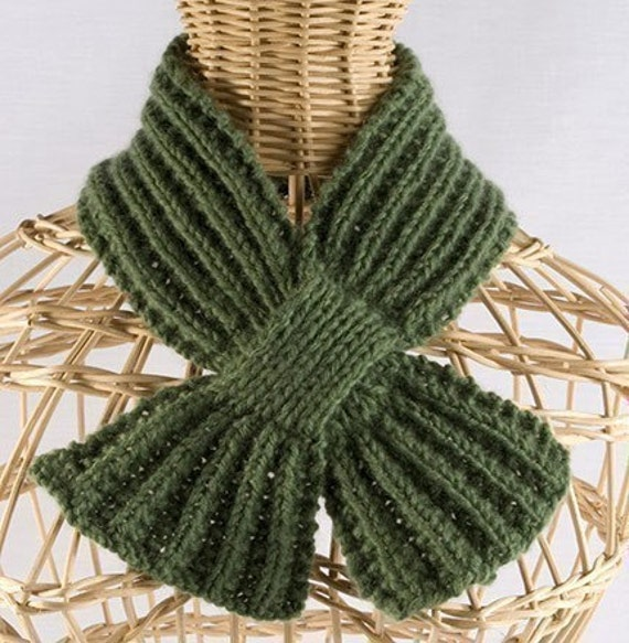 Knitting Pattern For Scarf With Buttonhole : Buttonhole Scarf Knitting Pattern PDF