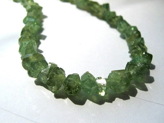 Rich and Rare - GREEN Kyanite Faceted Nuggets, 3-6mm. Semi Precious Gemstones. - Packet of 9. (LKY) Reduced from 10.50. Last ones