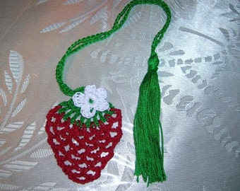 Strawberry Crochet Pattern Bookmark, Crochet Strawberry Bookmark Pattern