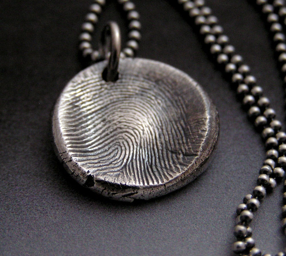 Fingerprint charm necklace in fine silver for Fine silver 999 jewelry