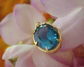 Blue Topaz Pendant, Regina Pendant in 18k Yellow Gold with London Blue Topaz, Ready to Ship