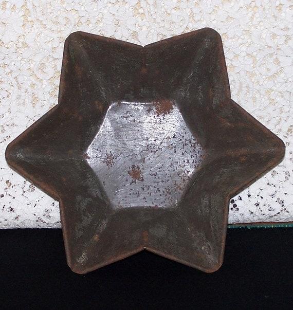 Reserved for  snapcracklepoper     Rustic STAR Shaped Baking PAN  -Vintage