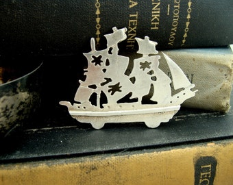 Pirate ship sterling silver jewelry - Nautical Brooch sterling silver - Ghost Ship jewelry - Halloween brooch - Recycled Sterling Silver