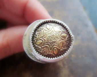 Small finger ring sterling silver - eclipse brass and silver vintage button - Vintage button Sterling Silver Ring