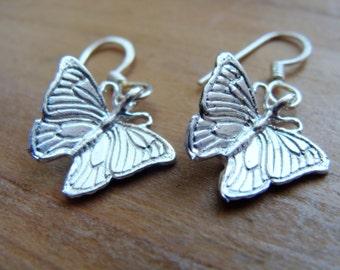 Butterfly small Earrings Sterling silver - Sterling silver Butterfly Earrings - Tiny Butterfly Earrings Sterling Silver