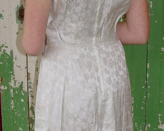 SALE // 50s FORMAL Fitted IVORY Dress wedding Black Tie