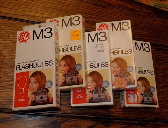 NOS M3 FLASHBULBS  / one pkg / Vintage Flash GE Cameras / Model M3B