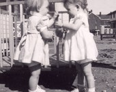 Pattycake Zwillinge - digitales Bild Vintage Photo 40er Jahre Mädchen