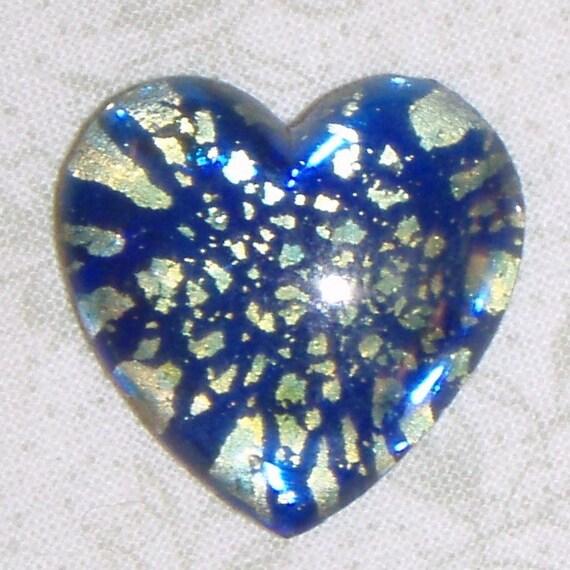 REDs VINTAGE FAUX SAPPHIRE BLUE OPAL GLASS HEART CABOCHON (1)