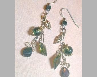 BEADINMAMA'S Verdant Hills Earrings