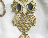 Vintage Enameled Articulated Gold Tone Owl Pendant Necklace