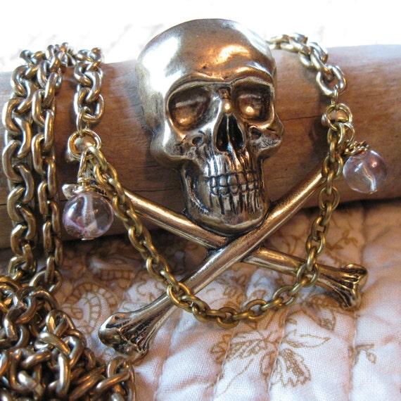 Skull Crossbone - vintage brass pirate necklace