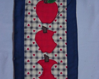 Apples wall hanging