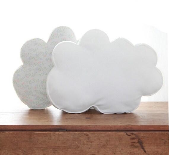 WHITE CLOUD PILLOW // Organic Cotton