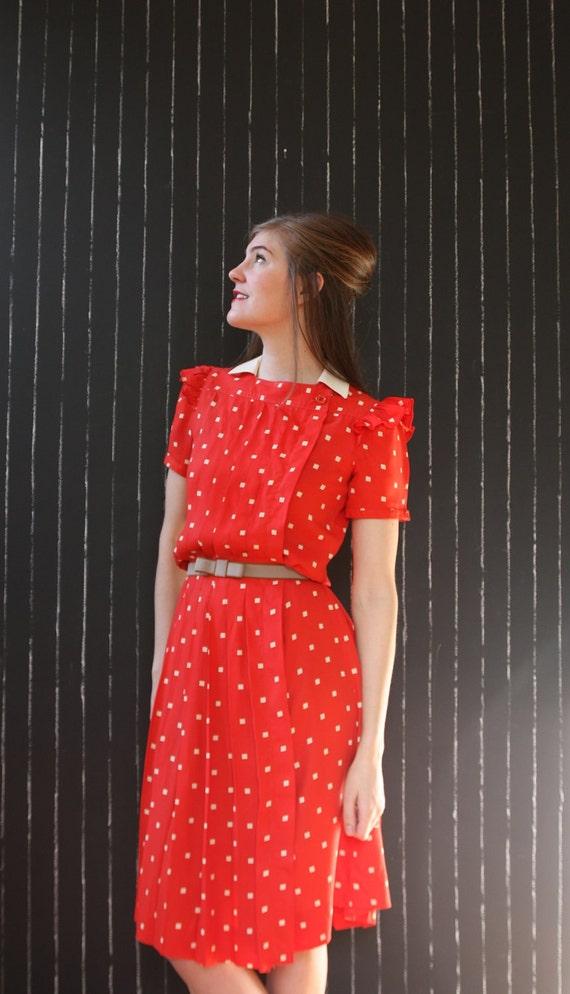 Vintage red pop-art beige square 1980's ruffle puff sleeve Spring resort shirt dress