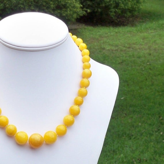 Clyde - Gorgeous Graduated Chunky Round Yellow Quartz Beaded Necklace