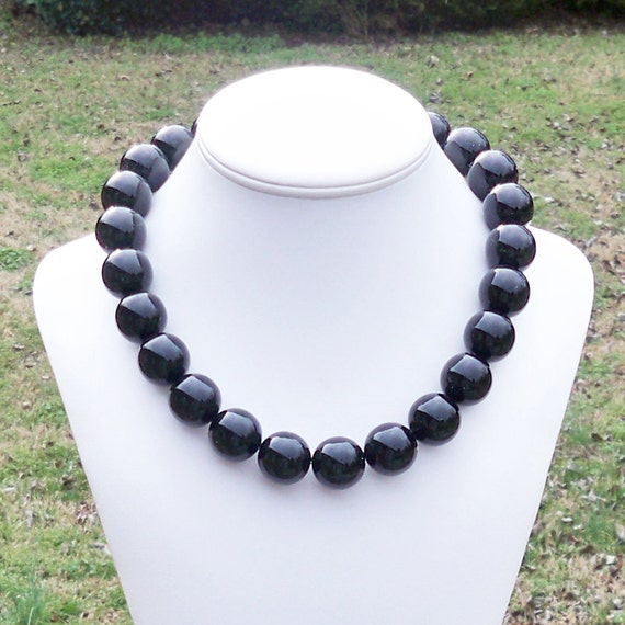 Whitny - Chunky 20mm Round Black Beaded Necklace - Simple, Everday