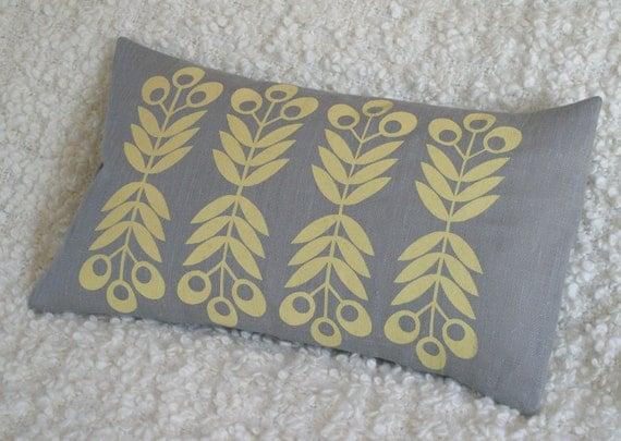 Seedhead cushion cover in Buttermilk Yellow