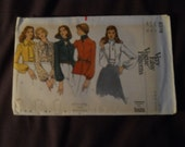 Vintage Vogue Very Easy Blouse Tie Sewing Pattern 8376