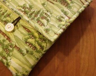 MacBook / MB Pro / MB Air Laptop Sleeve in Tree Meadow Fabric