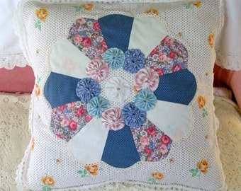 "Sweet DRESDEN PLATE & YOYO Pillow Cover, Pastel Pink White Blue Vintage Quilt Block, Yellow Rose Feedsack Lace Buttons Girlie Pretty 16"" sq"
