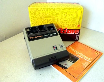 Vintage 1980 Kodak Partytime Instant Camera with box and instructions