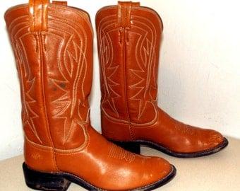Nice tan brown leather Tony Lama brand cowboy boots