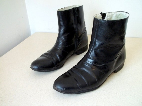 Vintage Barclay brand Black Wellington style side zip boots size 6.5 D or womens size 8 to 8.5