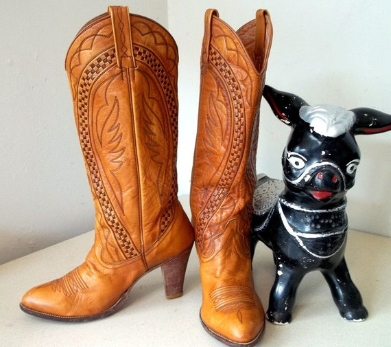 Super Sexy Vintage Dan Post Cowgirl Boots with high heels size 6 M