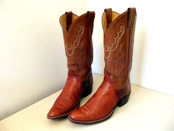 Great Vintage justin Cowboy boots size 9.5 B or cowgirl size 11