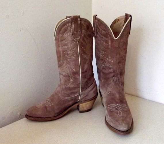 Sweet vintage Cowgirl 5.5 M with wood stacked heel