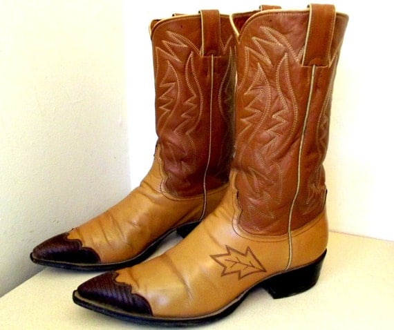 Justin brand Vintage Cowboy Boots size 10.5 D or Cowgirl size 12 with unusual leaf like embroidery