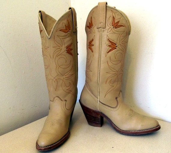 Vintage Acme Cowboy Boots Tan leather with wood stacked high heels cowgirl size 6.5 M