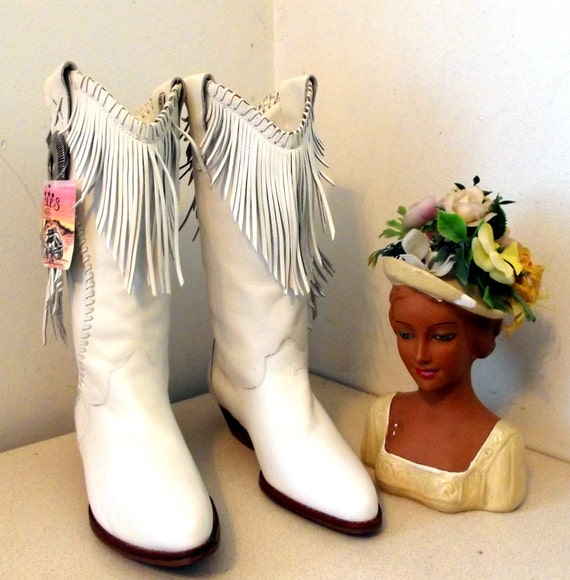 Vintage Circle S White Leather Western Cowgirl Boots with fringe size 7 M  NEW OLD STOCK