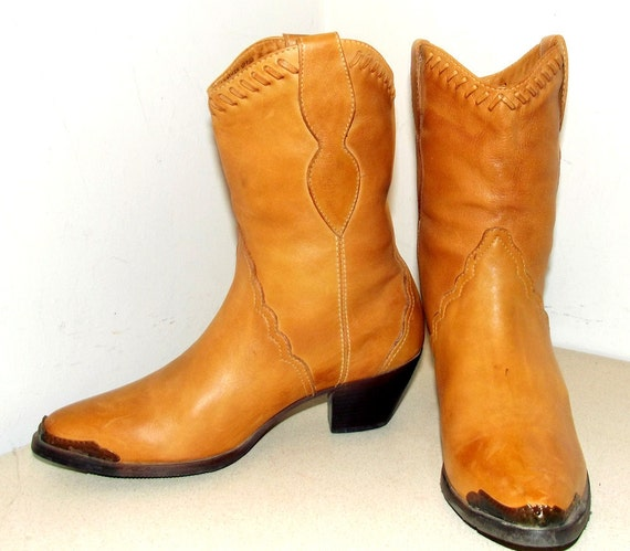 Vintage Durango Cowgirl Boots Shorties with High Heels size 6.5 M