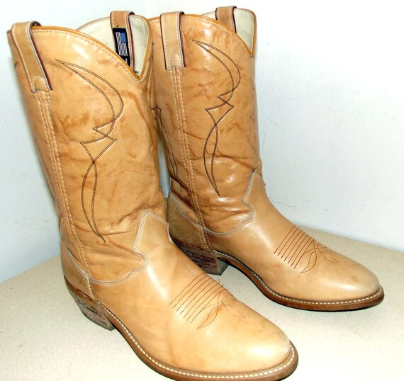 Vintage Acme Dingo Cowboy Boots size 9.5 D or cowgirl size 11