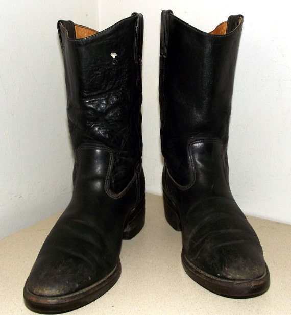 Nicely Broken In and Distressed Chippewa Black leather cowboy boots size 9 B
