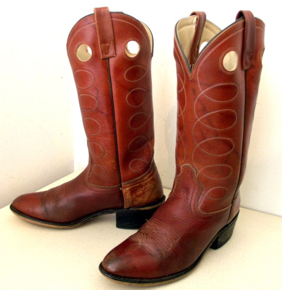 brown acme cowboy boots with white and by