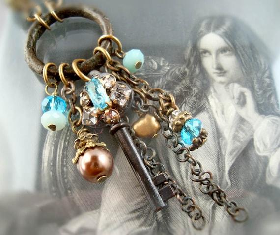 Downton vintage necklace