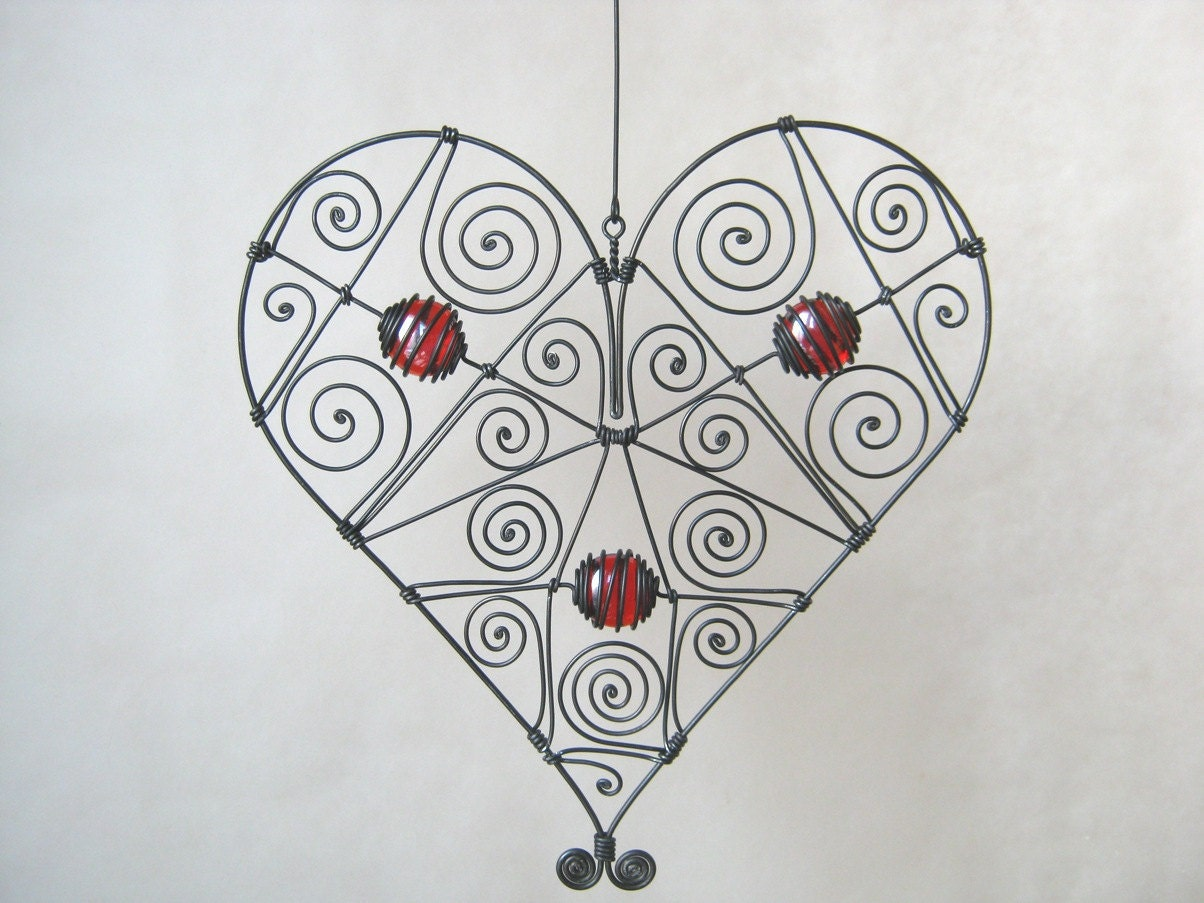 mothers day wire heart sculpture in red window or by mywireart