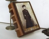 "Leather Journal with Vintage Photo from the 19th century - ""A Book with Memory"""
