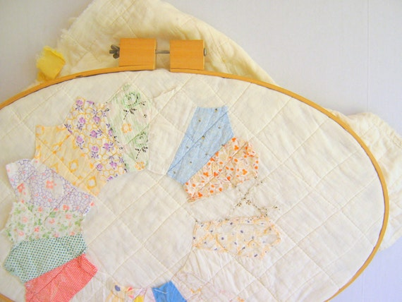 Vintage Quilt Wall Hanging / Pastel / Cottage Decor / Shabby Chic